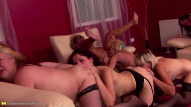 Huge lesbian group fuck with mass pissing action