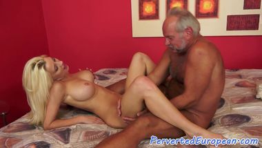 Euro babe assfingering and tugging oldman
