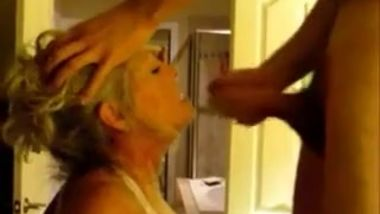 Mature women fucks and sucks younger college stud