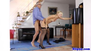 Highheeled eurobabe fucks and suck old geezer