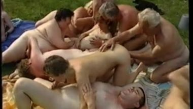 oldies_outdoor_orgy