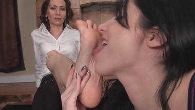Milf gets worshiped by younger woman