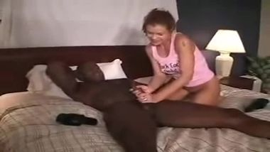 xy real amateur cuckold cheating wifey on bed with bbc