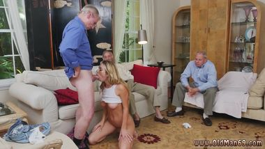 Female agent blowjob Molly Earns Her Keep