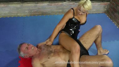 Sexy mistress pins down her slave and sits on his face