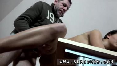 Teen old man webcam and old british guy Teaching Cindy how to speak